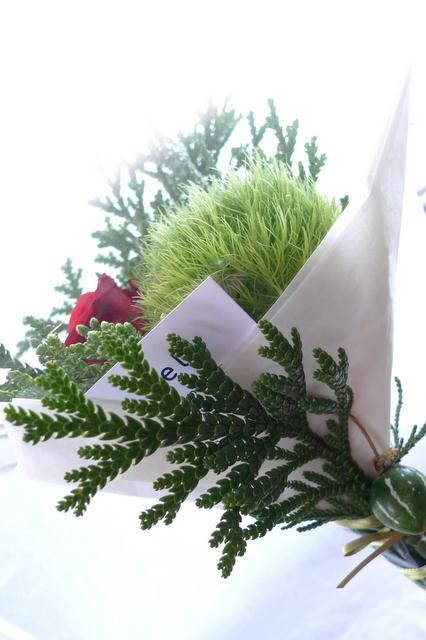 カフェでのイベントに、テーブル上に飾る小さな花束3種。_b0171193_19040020.jpg