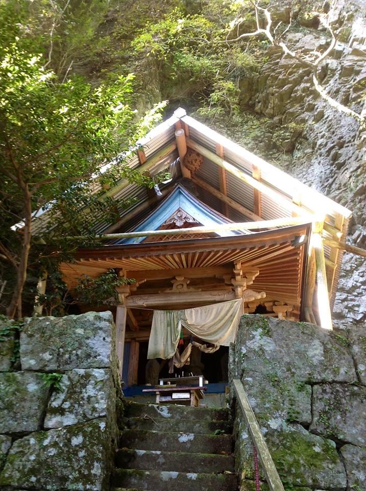 文珠山清滝観音〜日本最大のペトログラフへ_f0071303_2016044.jpg