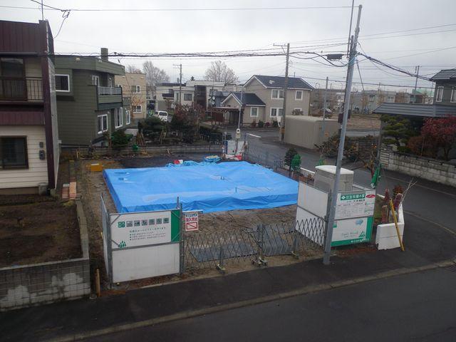 更地から床の完成まで約1ヶ月(写真追加)_c0025115_18315949.jpg