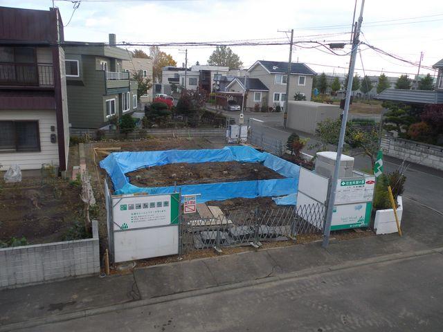 更地から床の完成まで約1ヶ月(写真追加)_c0025115_18321330.jpg