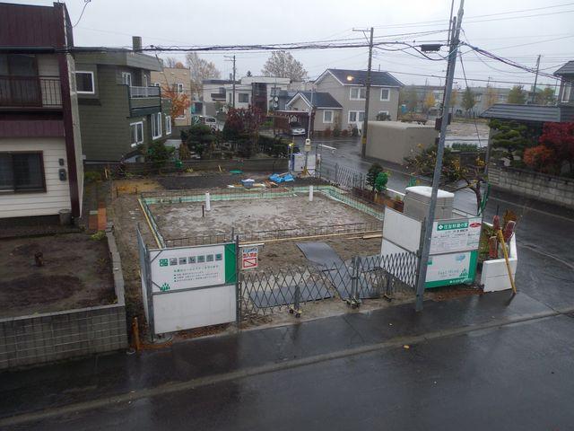 更地から床の完成まで約1ヶ月(写真追加)_c0025115_1832759.jpg