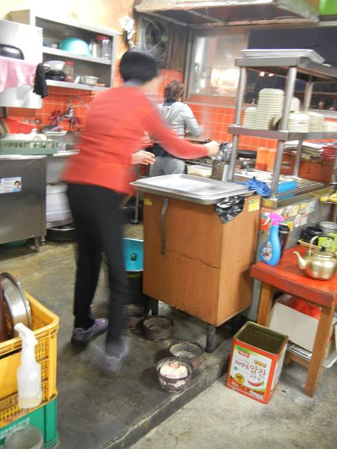 清州  豚さん専門の炭火焼肉屋さん_b0129725_22054267.jpg