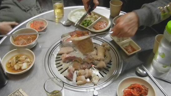 清州  豚さん専門の炭火焼肉屋さん_b0129725_22300103.jpg