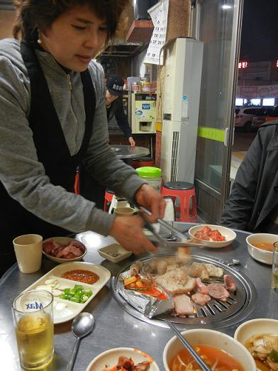 清州  豚さん専門の炭火焼肉屋さん_b0129725_22323848.jpg