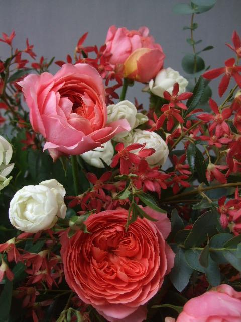 オークリーフ(バラとクリスマスブッシュのアレンジメント)_f0049672_1558976.jpg
