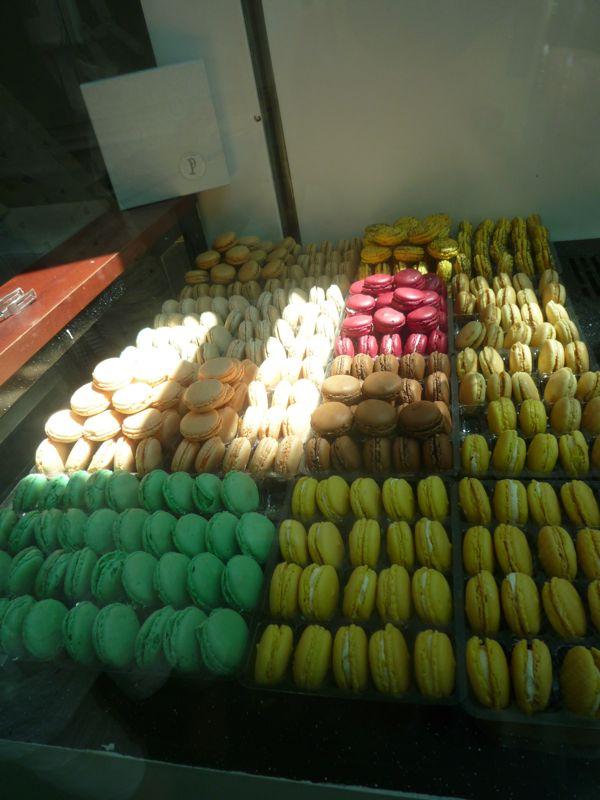 甘いものでも食べて、頭の回転を良くしましょうね。_d0266681_0595882.jpg
