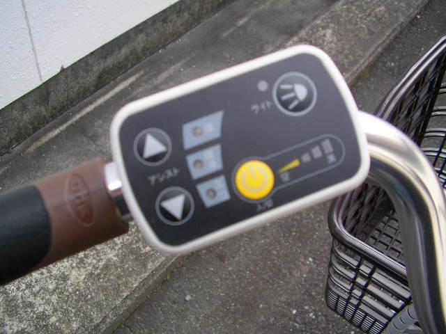 おトクな電動アシスト自転車入荷しました_b0189682_10265725.jpg