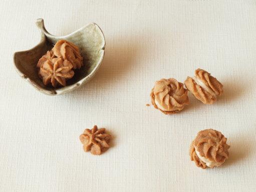 黄粉クッキー +食いしん坊様御一行とのお昼御飯_b0254207_21524777.jpg