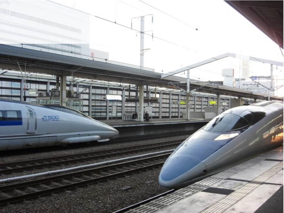 これは珍しい!新幹線500系併走(停?)_b0081121_5442826.jpg