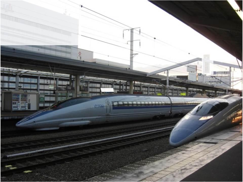 これは珍しい!新幹線500系併走(停?)_b0081121_5452812.jpg