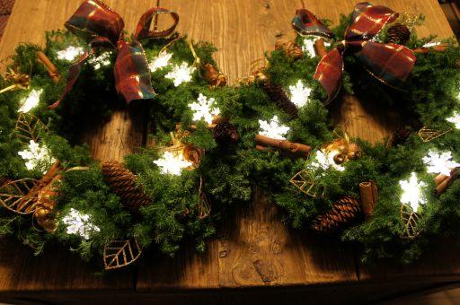 鳥かご・クリスマスバージョンとイルミネーションリース_f0155431_21545637.jpg