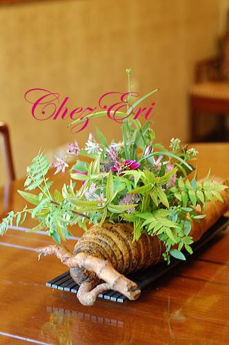 お菓子クラスのテーブル花_a0160955_17255184.jpg