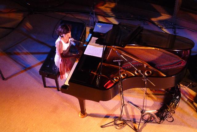 今夜(11/21・木)は日本を代表するフラメンコ歌手「石塚隆充」Liveです!_d0115919_1542294.jpg