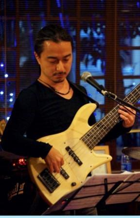 今夜(11/21・木)は日本を代表するフラメンコ歌手「石塚隆充」Liveです!_d0115919_1544497.jpg