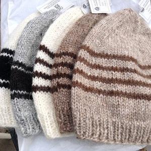 心まであたたまるアイスランドのおばあちゃまお手製ニット帽&もこもこ羊も!_c0003620_37864.jpg