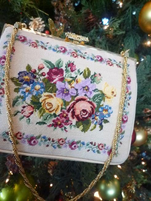 プチポワン の オペラバック。。。クリスマスの夢のような 贈り物☆。。。♡。..。.゚。*・。♬♪*†_a0053662_1124759.jpg