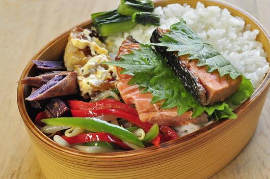 大葉鮭弁当とフィンランド料理_b0171098_8164066.jpg