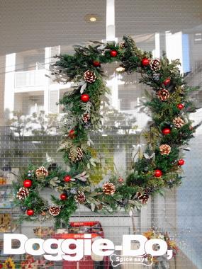 イニシャルのクリスマスリースって?_c0157501_20222440.jpg