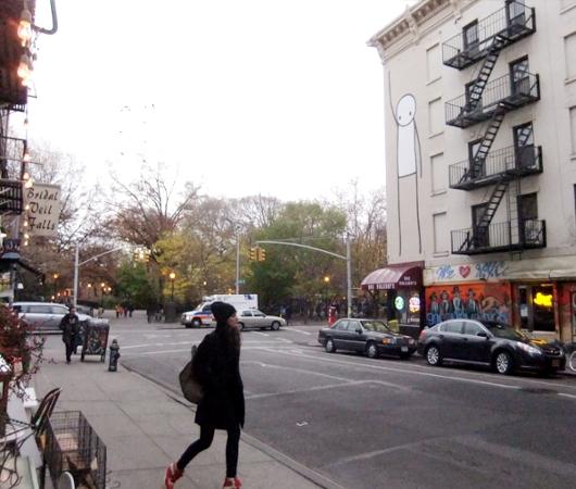 "NYのイースト・ビレッジに""Liberty""ってタイトルの巨大壁画が登場_b0007805_23294830.jpg"