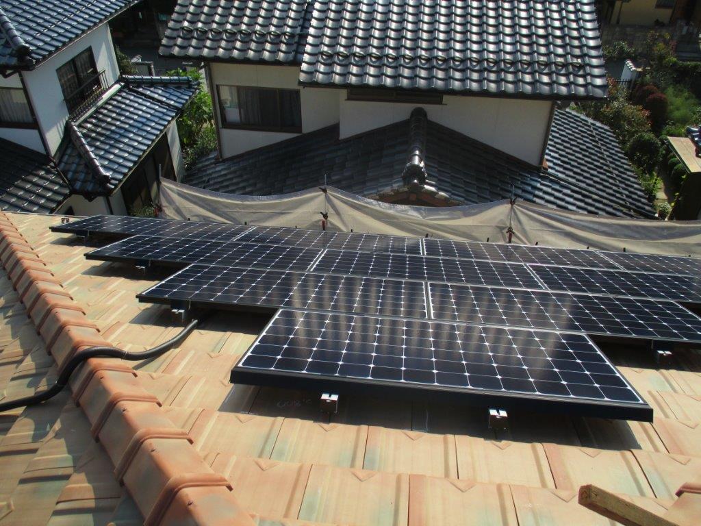 H様邸(安佐北区くすの木台)太陽光発電システム工事_d0125228_822745.jpg