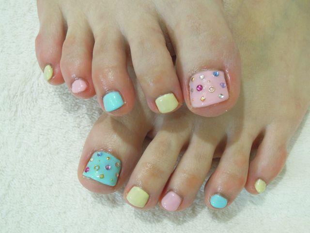 Pastel Foot Nail_a0239065_1017588.jpg