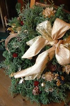 クリスマスリースのお渡しが始まりました!_e0130779_22523139.jpg