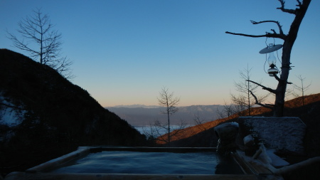 今日はスキー場開き_e0120896_06591193.jpg