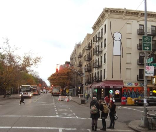 "NYのイースト・ビレッジに""Liberty""ってタイトルの巨大壁画が登場_b0007805_055654.jpg"