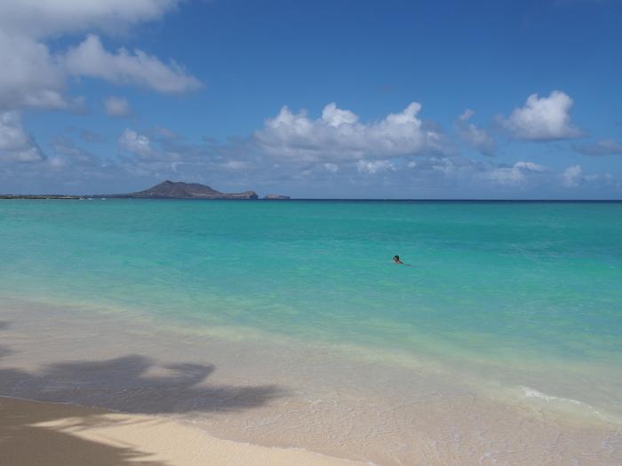 2013 10月 ハワイ(31)  ラニカイビーチへ  幸せ〜_f0062122_183712.jpg