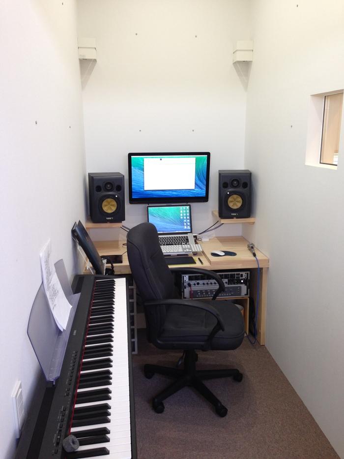 「スタジオの家」竣工_e0189939_19311135.jpg