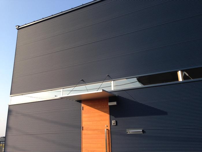 「スタジオの家」竣工_e0189939_1931338.jpg