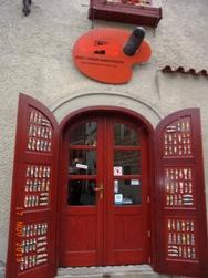 Czech Republic チェスキー・クルムロフの町_e0195766_8382291.jpg