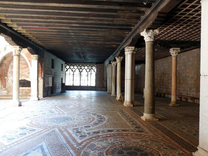 """ヴェネチアのカ・ドーロ\""""Ca\' d\'Oro\""""とマンテーニャの「聖セバスティアヌス」_d0116009_11285388.jpg"""