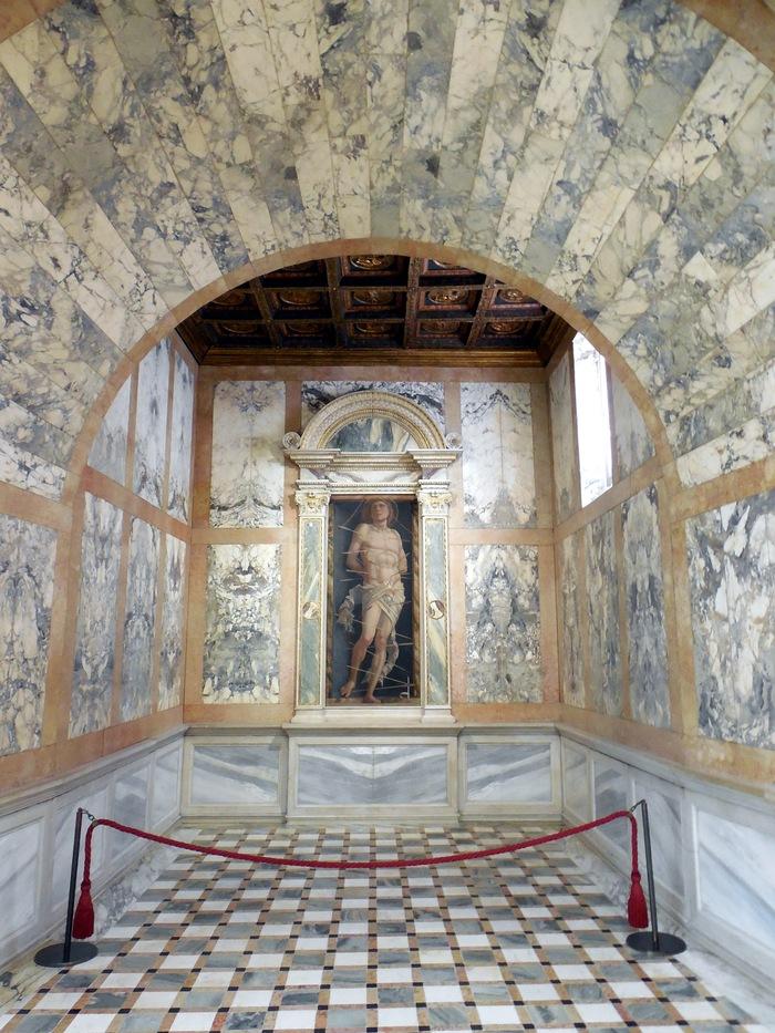 """ヴェネチアのカ・ドーロ\""""Ca\' d\'Oro\""""とマンテーニャの「聖セバスティアヌス」_d0116009_11384450.jpg"""