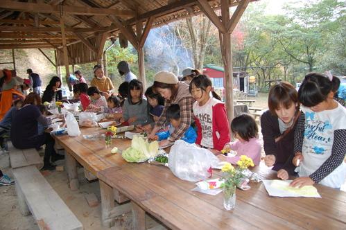 「きのくに子どもNPO」が孝子の森にやってっ来た     by     (TATE-misaki)_c0108460_23494.jpg