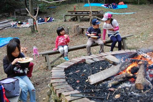 「きのくに子どもNPO」が孝子の森にやってっ来た     by     (TATE-misaki)_c0108460_2402564.jpg