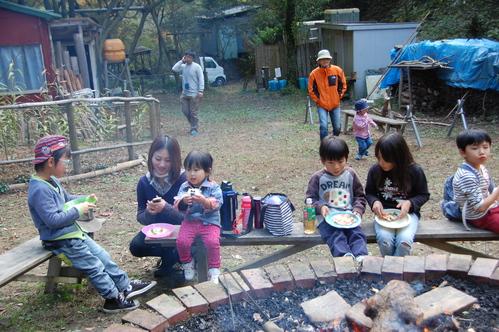 「きのくに子どもNPO」が孝子の森にやってっ来た     by     (TATE-misaki)_c0108460_2404854.jpg