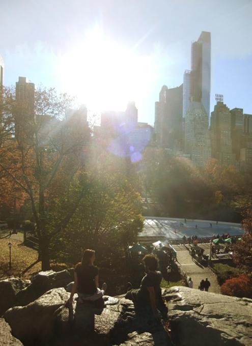 紅葉と摩天楼とスケートリンクを一望できるセントラルパークのオススメ写真スポット_b0007805_1254460.jpg