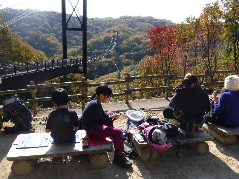 秋のブランコ_c0113733_1402817.jpg