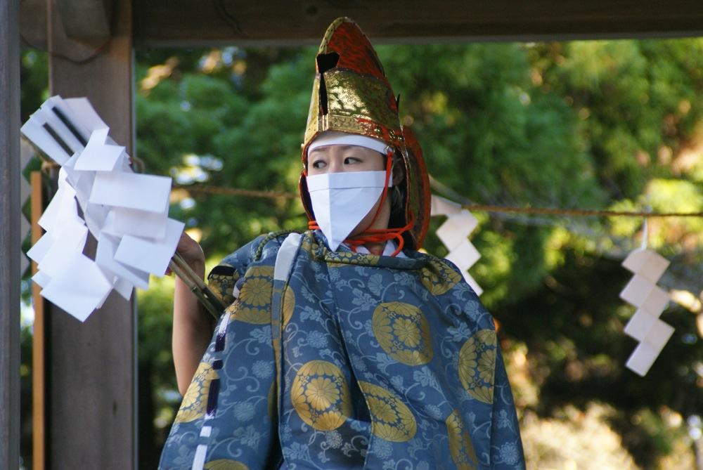 鹽竈神社 本殿へ向かう_d0001843_0245683.jpg