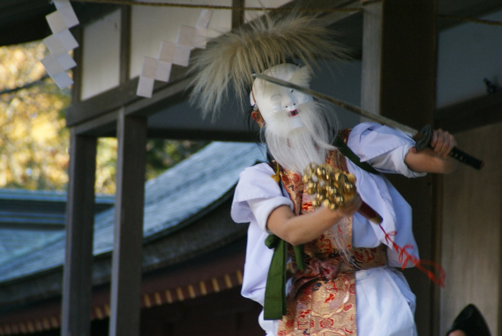 鹽竈神社 本殿へ向かう_d0001843_0282912.jpg