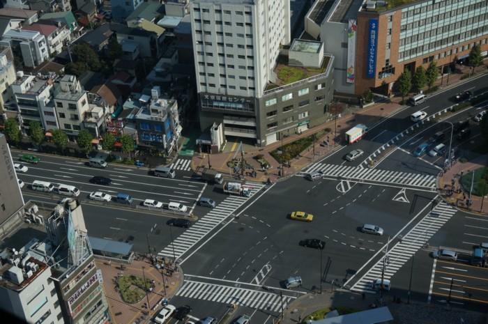 交差点の装飾_f0055131_10094576.jpg
