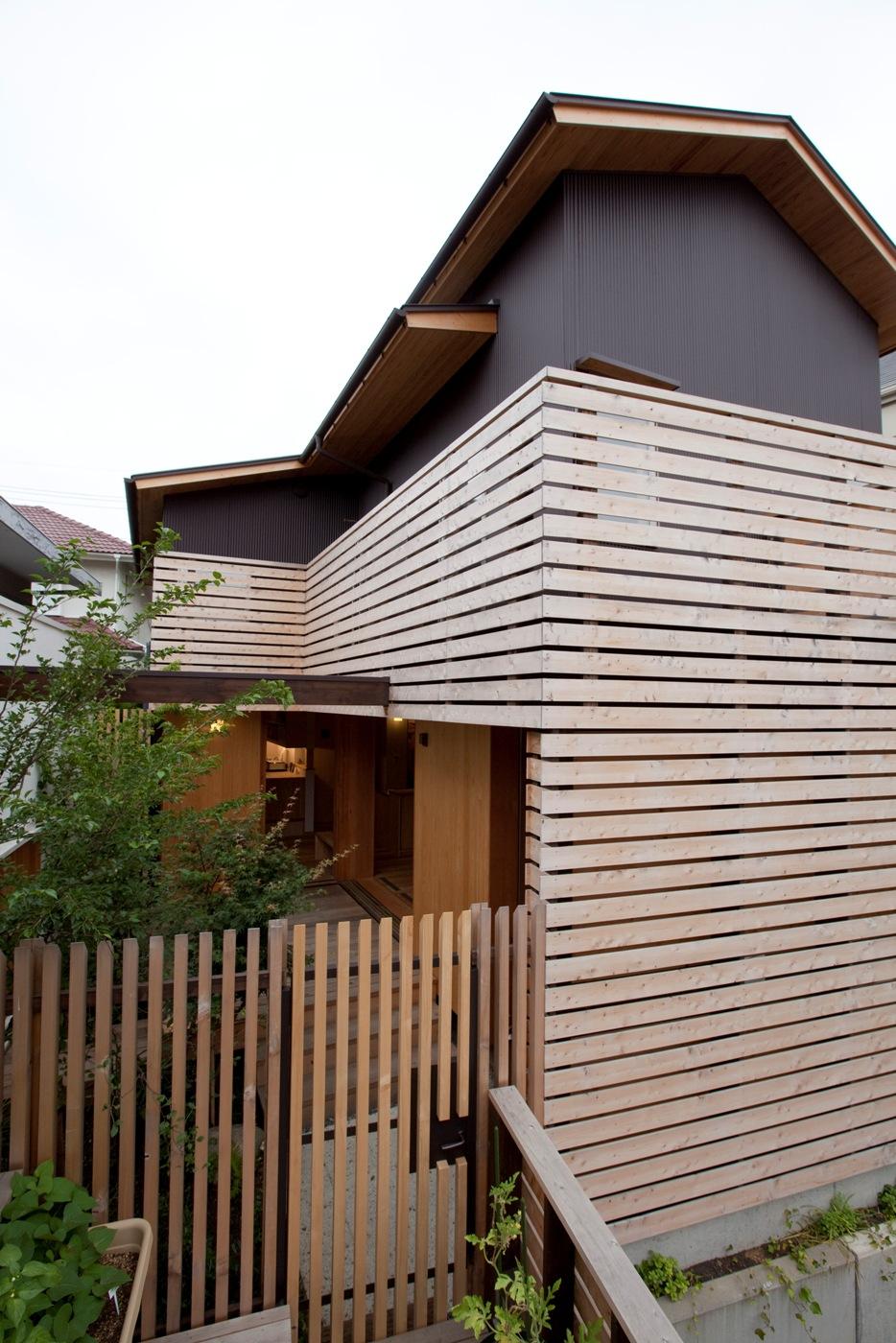 荏田町の家の紹介(1)-外部_c0310571_16021877.jpg