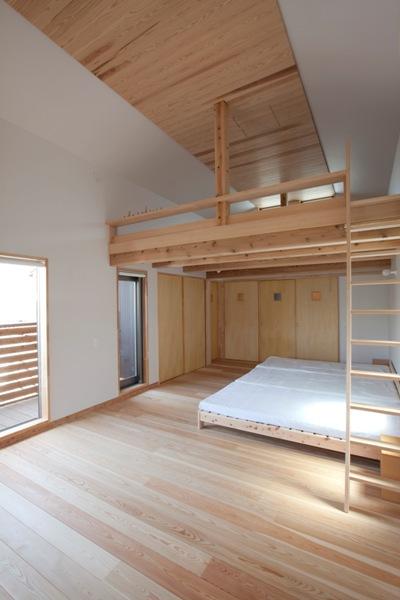 荏田町の家の紹介(3)-2階・中庭_c0310571_17103273.jpg