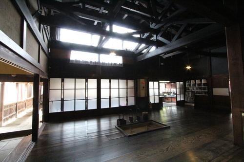 庄内の旅:石置き屋根の風間家「丙申堂」3_e0054299_1031428.jpg