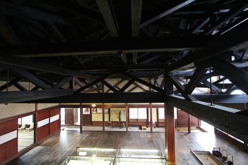 庄内の旅:石置き屋根の風間家「丙申堂」3_e0054299_1034476.jpg
