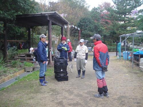 サツマイモ掘り&イベント準備_c0108460_17561517.jpg