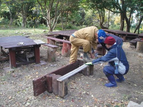 サツマイモ掘り&イベント準備_c0108460_1865080.jpg