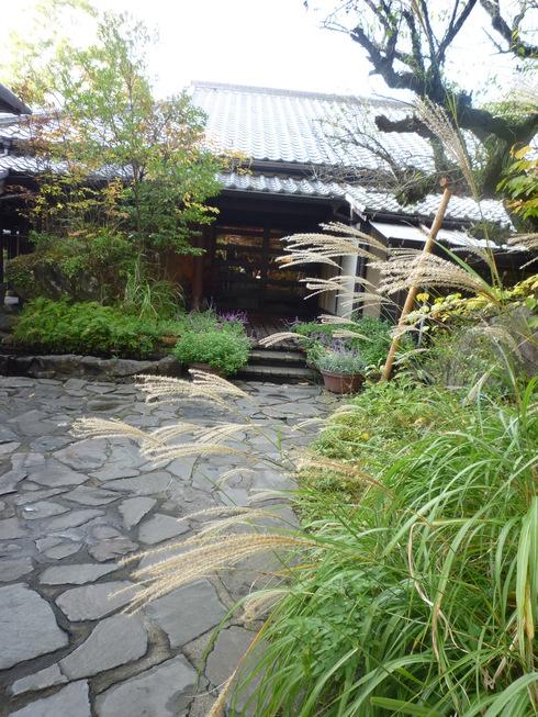 亀の井別荘。。。健太郎さんのお招きで。。。錦秋の湯布院へ。。。。☆⊹⊱..☆*:.。.☆*†_a0053662_156255.jpg