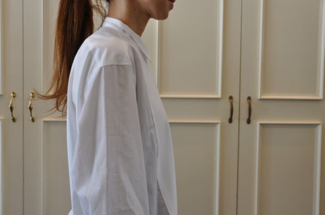 素敵な大人の白いシャツ DRIES VAN NOTEN ._b0110586_19551351.jpg